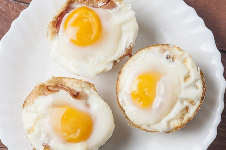 Egg-and-Toast-Breakfast-Cups-750x500